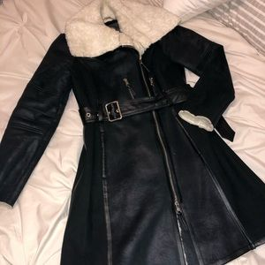 Vince Camuto trench coat black with faux fur
